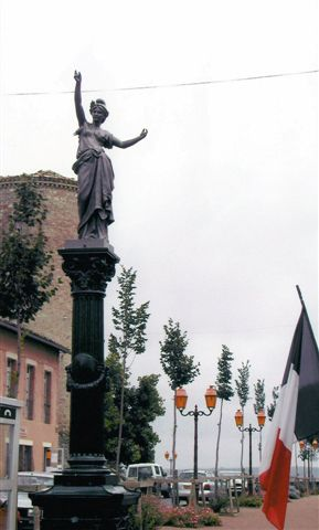 restauration Marianne et socle  SALVAGNAC (81)